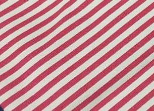 Rayas blancas y rojas